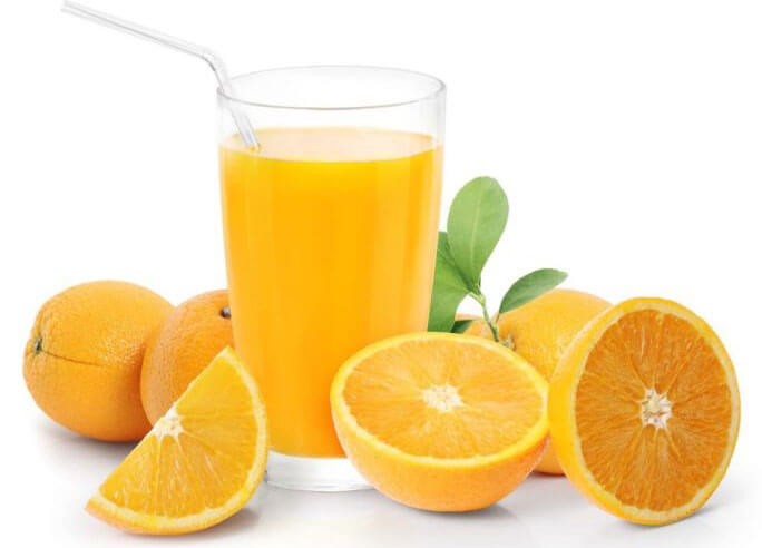 orange juice made by orange juicer machine